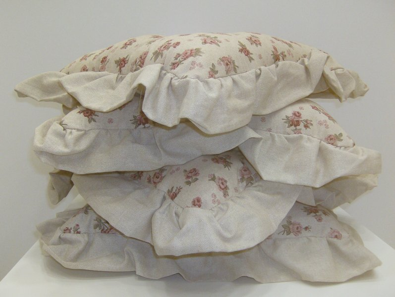 cuscini con volant rose rosa - casseri biancheria